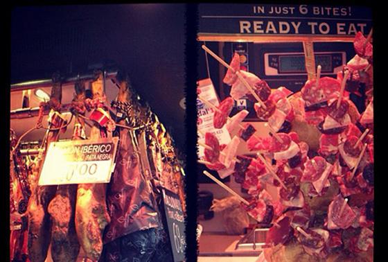 Ta deg en tur på The food market. Kjøp gode skinker og oster til å ta med hjem eller ta med herlige smaksprøver på veien.