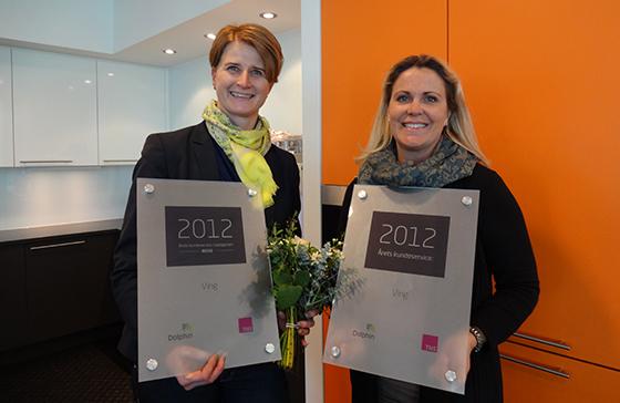 Markeds- og kommunikasjonsdirektør Tonje Fossum og salgssjef Marie-Anne Zachrisson var på utdelingen i går, her har de mottatt den gjeve prisen.