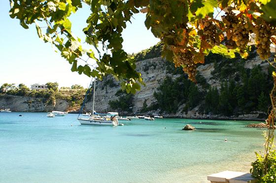 Alonissos byr blant annet på nydelig turkist hav.