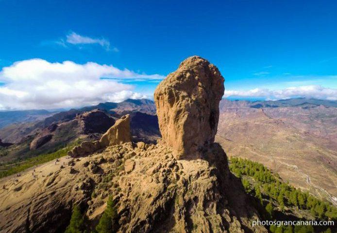 Lavaklippen Roque Nublo er også kjent som «klippen i skyene».