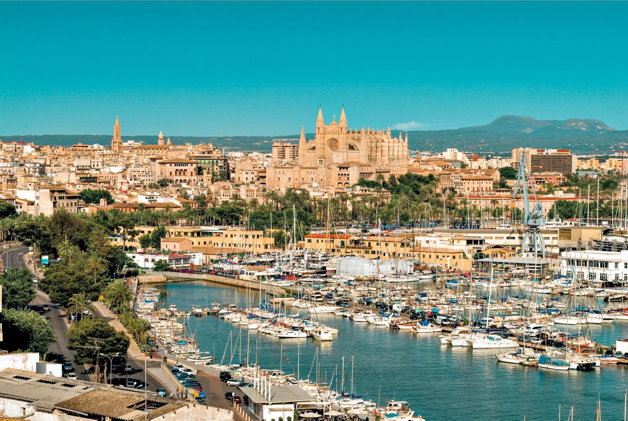 Palma by, Mallorca med Ving