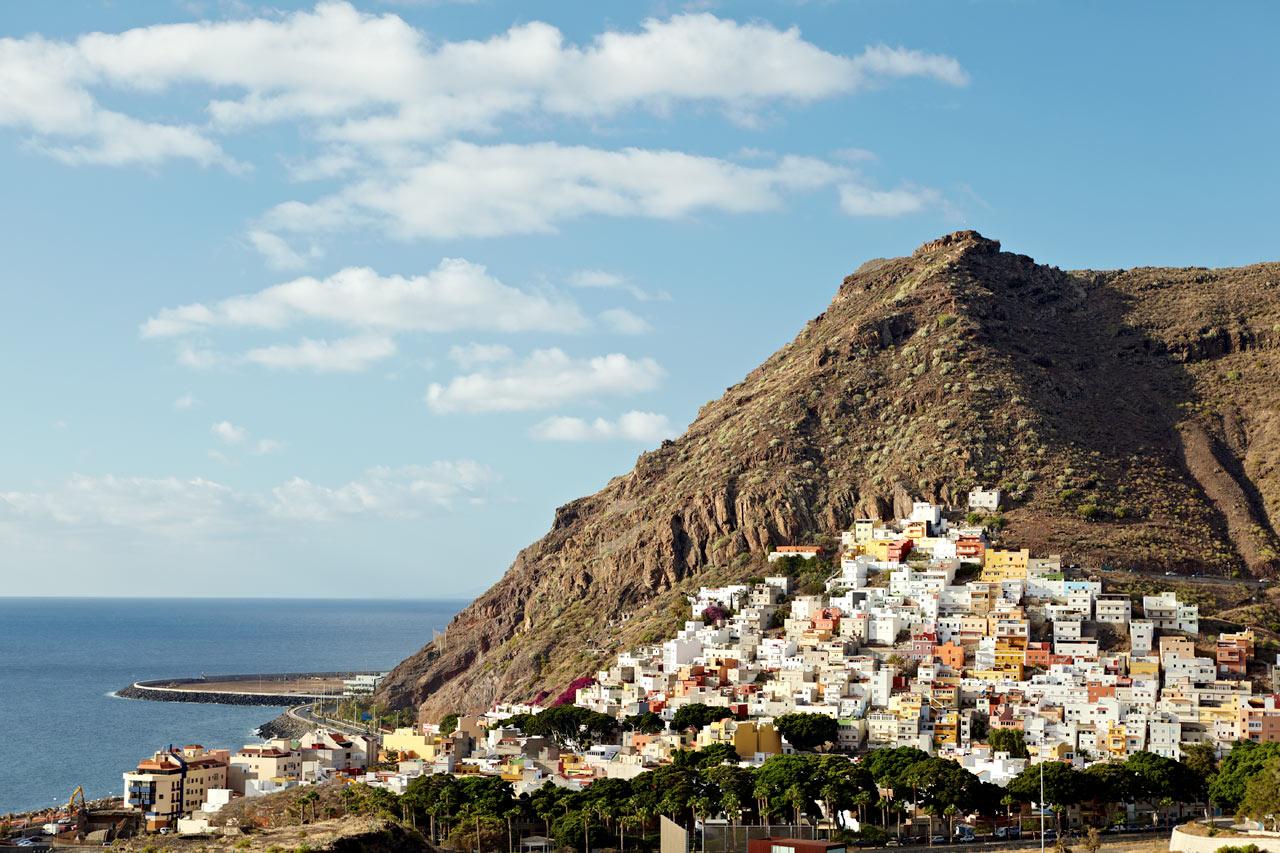 STOR VARIASJON: Landskapene på Tenerife endrer seg dramatisk fra den ene siden av øya til den andre, så her er det spennende å leie bil og dra på oppdagelsesferd.