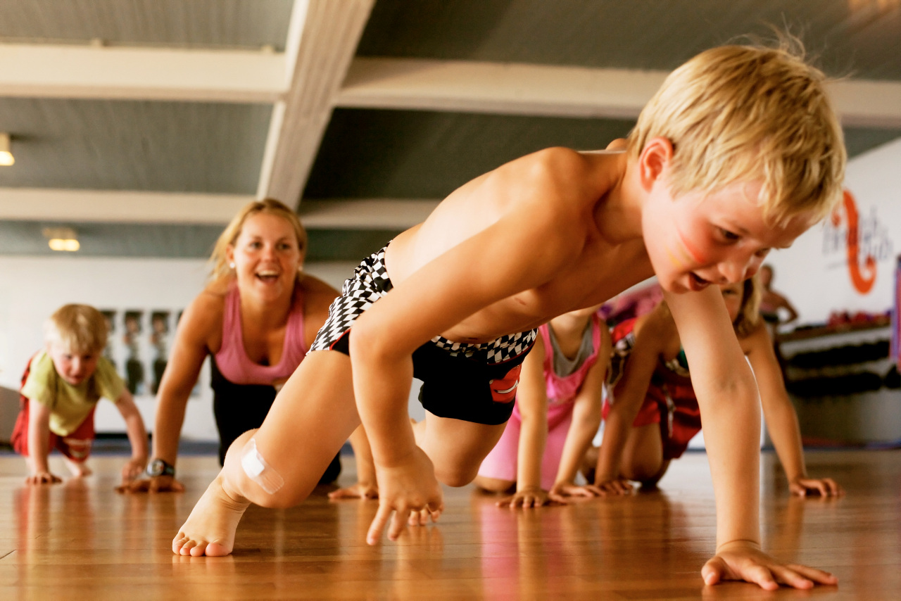 Bildetekst: Hele familien kan leke seg på trening sammen.