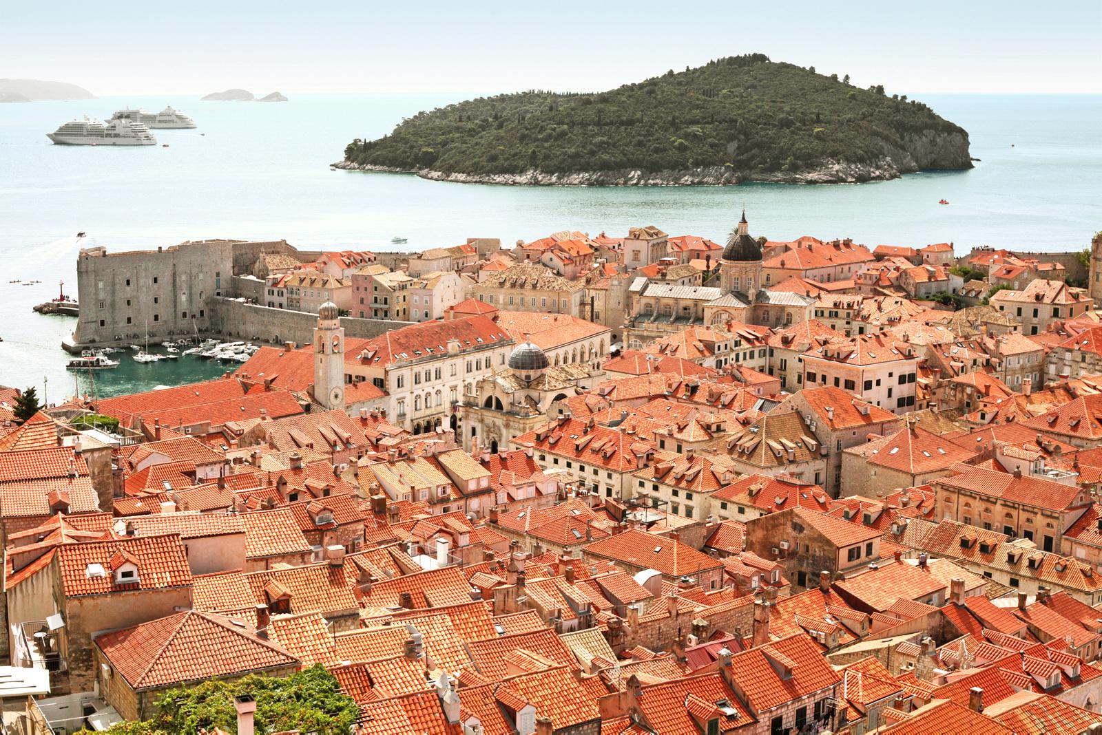 Både Dubrovniks gamleby og øya Lokrum har blitt brukt under innspillingen av Game of Thrones.